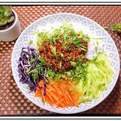 炸酱拌蔬菜米线的做法[图]