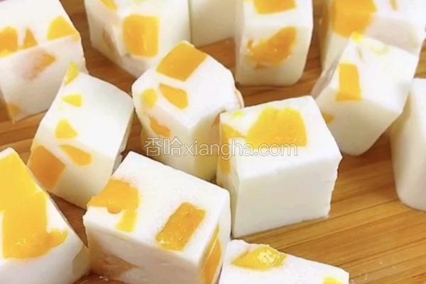 冰凉特仑苏牛奶芒果块