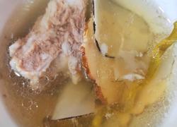 虎乳菌石斛海底椰排骨汤