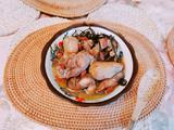 鲜芋响螺片黑豆芡实黄精茶树菇炖母鸡汤的做法[图]