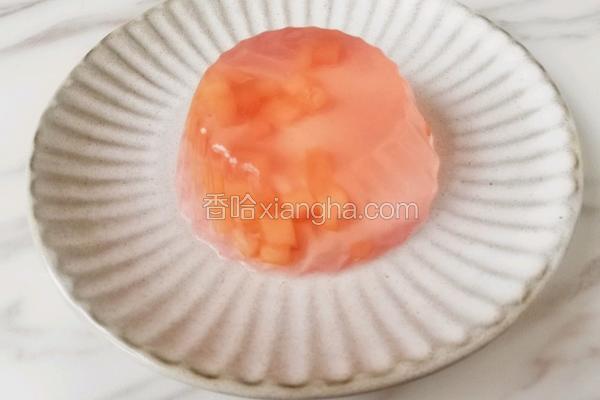 粉粉的水蜜桃果