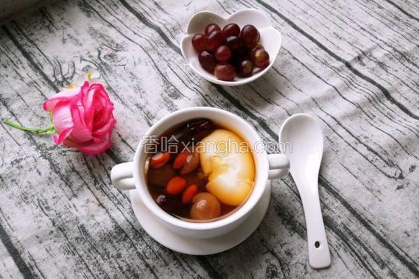 桂圆红枣鸡蛋甜汤