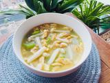 金黄鲜美的丝瓜鸡蛋菌菇汤,简单又低脂,全家都喜欢的做法[图]