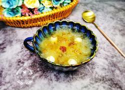 桃胶银耳莲子汤