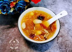 红枣莲子百合银耳汤