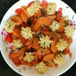 超簡單味鮮好吃的紅蘿卜炒魷魚花的做法[圖]