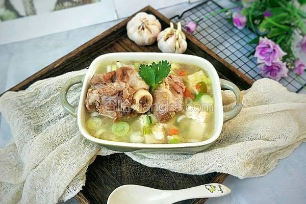 秋季滋补羊骨汤