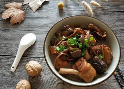 姬松茸茶树菇炖鸡腿