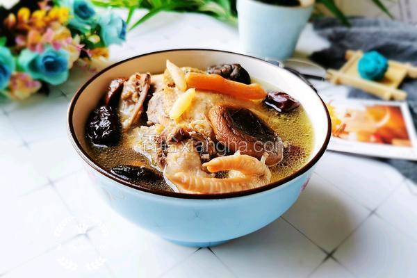 麦冬香菇炖鸡汤