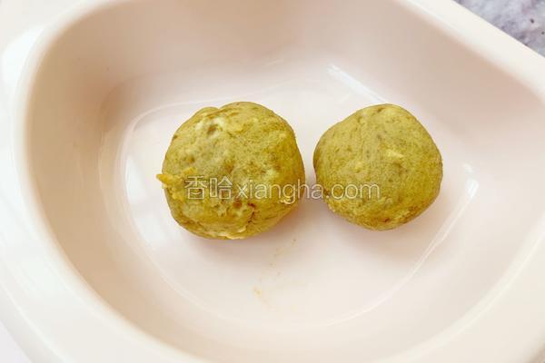 7个月宝宝辅食:红枣蛋黄泥