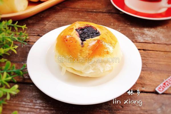 蓝莓果酱面包