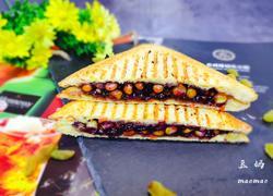 蓝莓玉米三明治