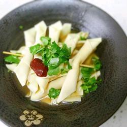 超級鮮美的雞湯豆腐串 最后連燒烤和雞湯都有了的做法[圖]