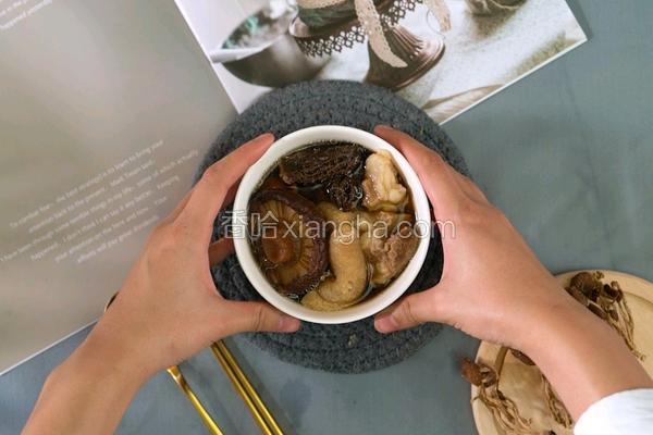 野生菌菇汤