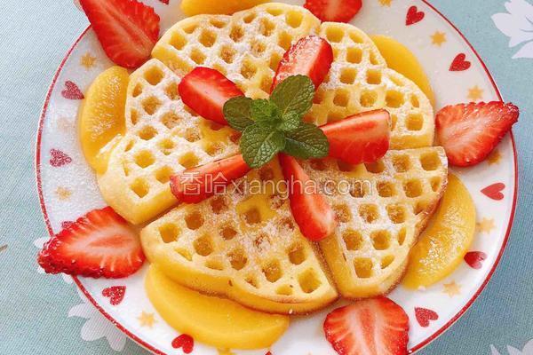 黄桃草莓华夫饼