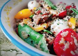 藜麦牛排蔬菜沙拉