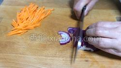 黑胡椒鲜虾炒面的做法图解5