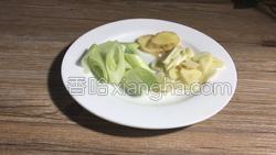 茶树菇烧肉的做法图解3
