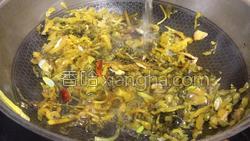 酸菜小酥肉的做法图解29