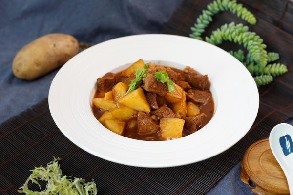 土豆炖牛肉|入味又下饭,美味不停口