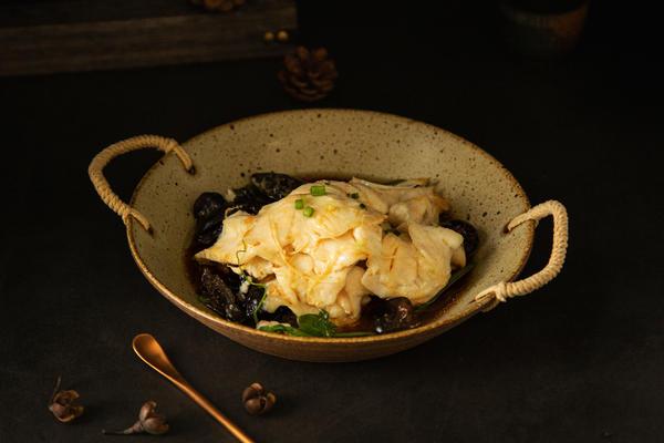 菜蒸鱼|营养均衡 汤汁鲜美 即刻上桌