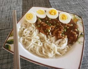 香菇炸醬面[圖]