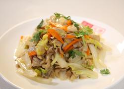 白菜炒鲜蘑
