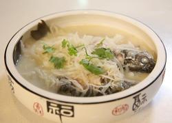 萝卜丝炖鲫鱼汤