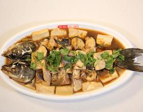 垮炖鲜鱼豆腐