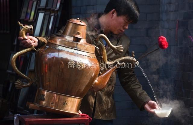 """龙嘴大铜壶""""茶汤"""""""