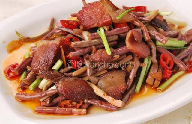 蕨菜炒腊肉