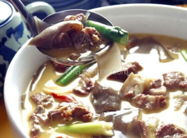 何首乌牡蛎炖肉排