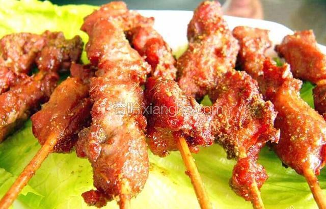 新疆正宗烤羊肉串