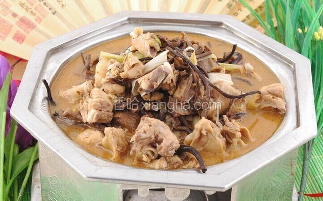 蘑菇炖小鸡